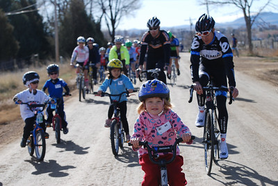The youngest riders were at the front of the peloton.  From left to right:  Spencer Gibson (5 years old); Luke Robinson (5 year old); Kourtney Rathke (5 year old); Greg Keller, Ride Leader/Boulder Cycle Sport; Bridget Robinson (4 year old) and  Tom Danielson  @2011deirdremoynihan