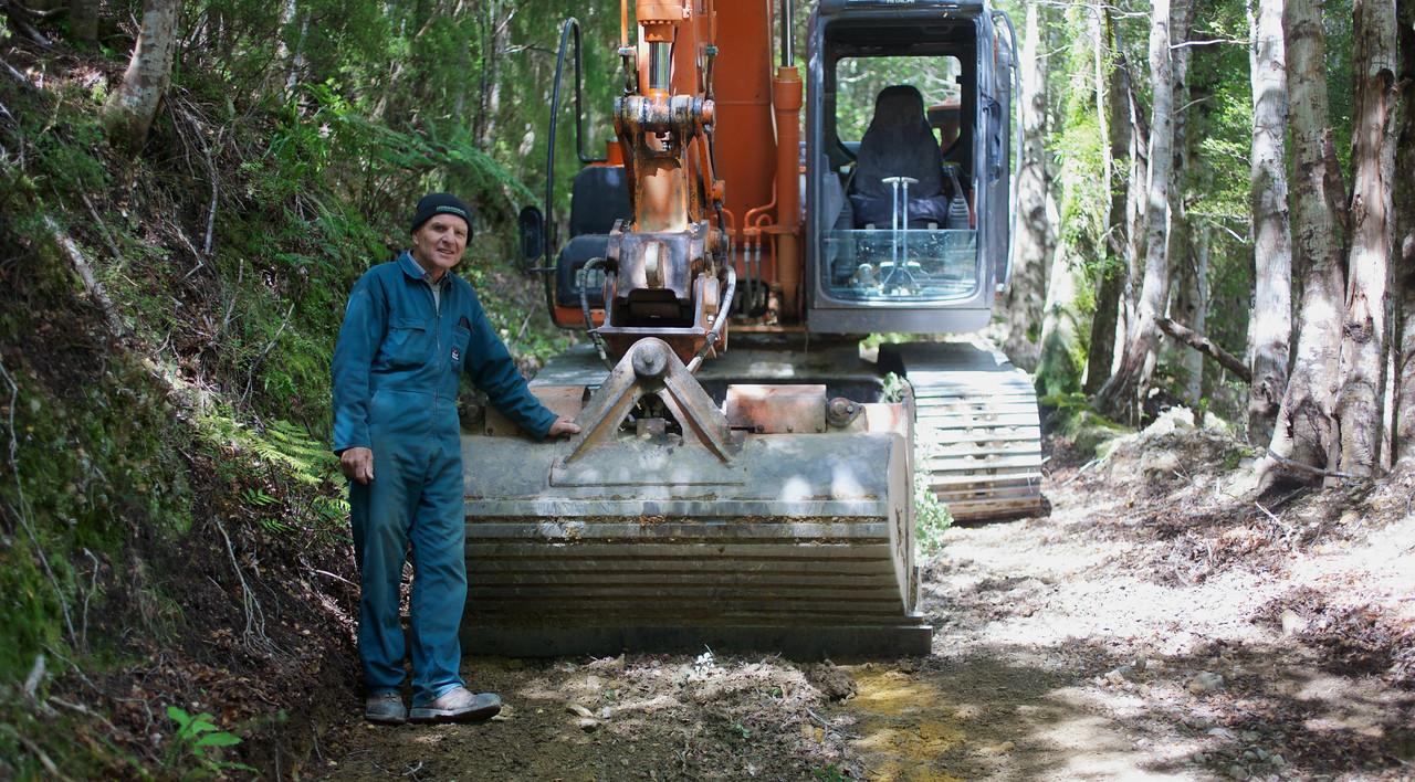 Derek and his 12 tonne Digger Kaitoke Mar 2013