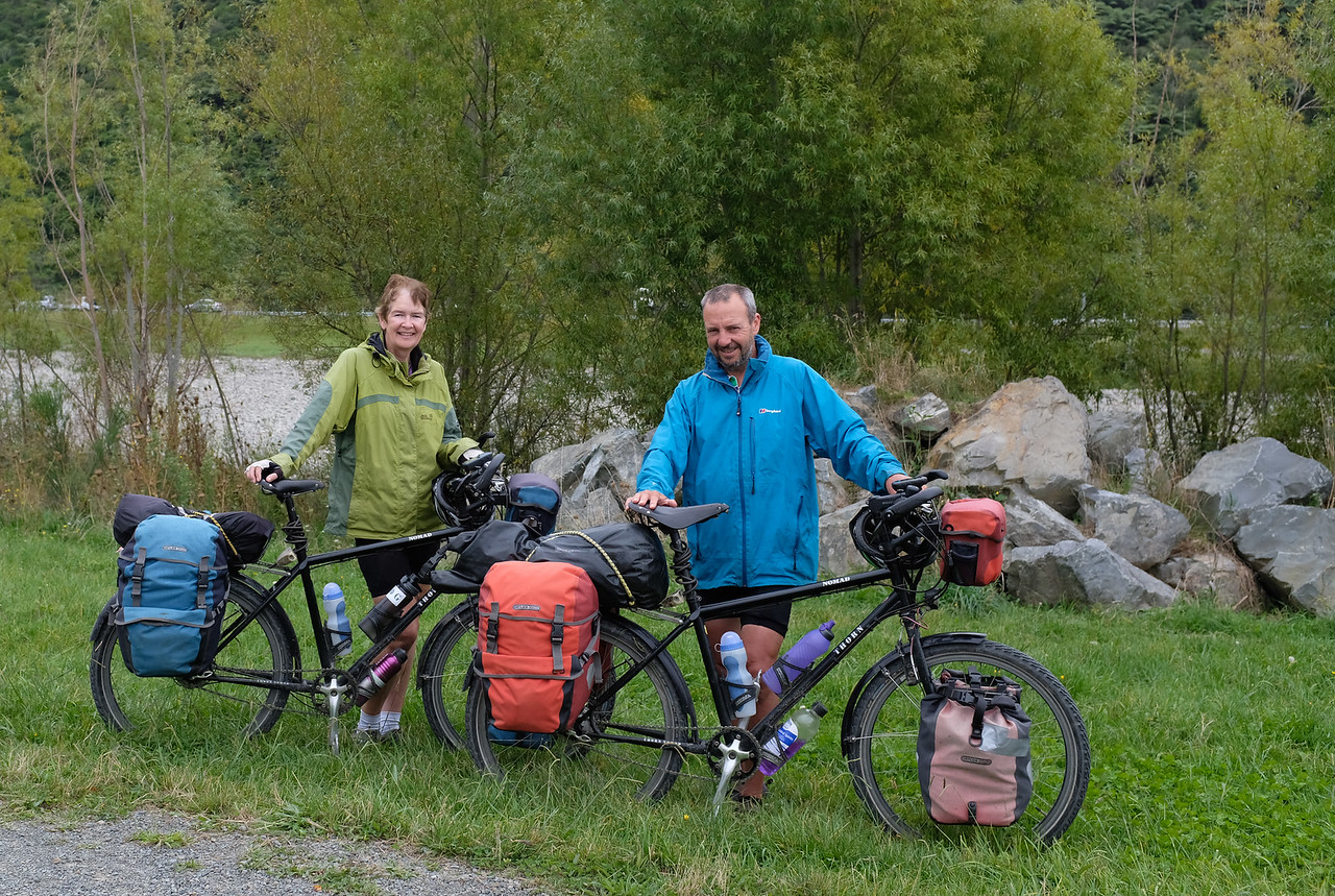Round the World Cyclists Elspeth and Martin  from Wales