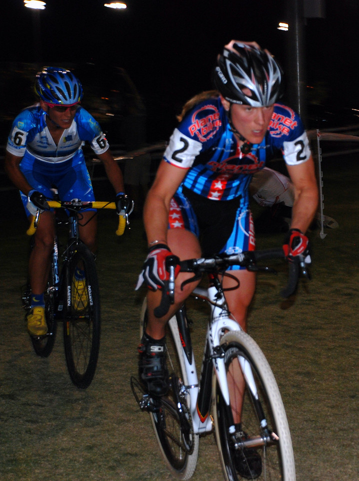 Katie Compton and Katerina Nash Early in Cross Vegas