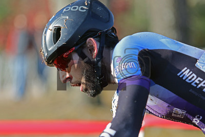 Andrew Scarano (41) competes in the NC Cyclocross North Carolina Grand Prix at Jackson Park in Hendersonville, N.C., on Nov. 24, 2019