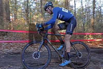 Bradford Perley (31) competes in the NC Cyclocross North Carolina Grand Prix at Jackson Park in Hendersonville, N.C., on Nov. 24, 2019