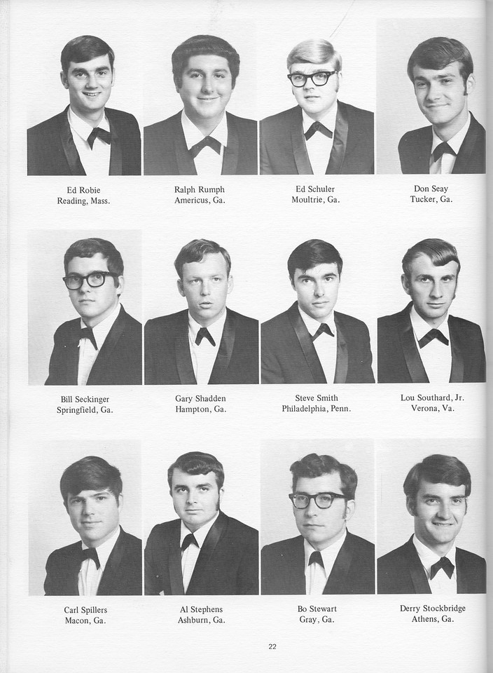 The Cypress Knee, 1971, Seniors, Ed Robie, Ralph Rumph, Ed Schuler, Don Seay, Bill Seckinger, Gary Shadden, Steve Smith, Lou Southard, Carl Spillers, Al Stephens, Bo Stewart, Derry Stockbridge, pg. 22