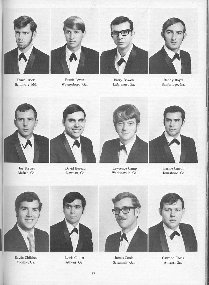 The Cypress Knee, 1971, Seniors, Daniel Beck, Frank Bevan, Barry Bowen, Randy Boyd, Joe Brewer, David Bureau, Lawrence Camp, Earnie Carroll, Edwin Childree, Lewis Collier, James Cook, Cawood Cross, pg. 17