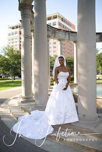 Bridal photos in Hermann Park