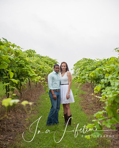 Brenham engagement session (15)