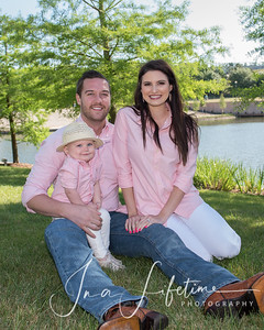 Family photos in the Woodlands