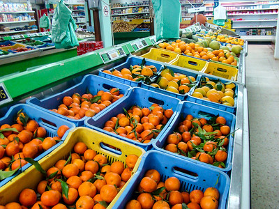 Oranges in the supermarket