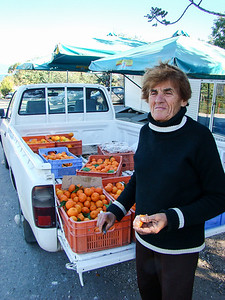 Women selling oranges