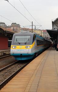681 001 (93 54 6681 001-4 CZ-CD) at Prague Hlavni Nadrazi on 6th March 2015