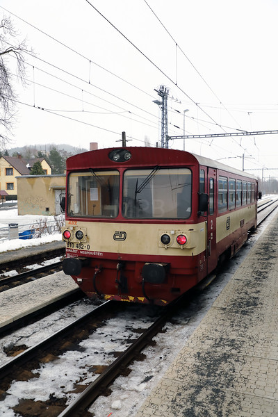 810 482 at Klasterec nad Ohri on 7th February 2017 (1)