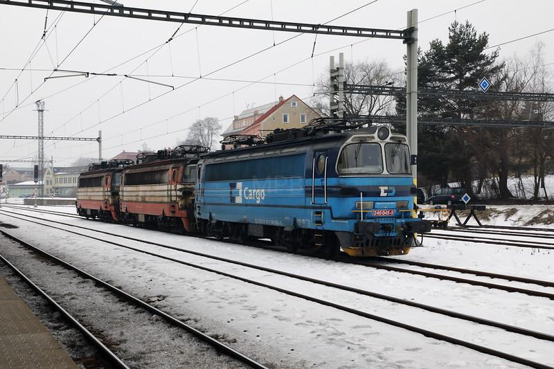 240 045 (91 54 7240 045-5 CZ-CDC) at Sokolov on 8th February 2017 (3)