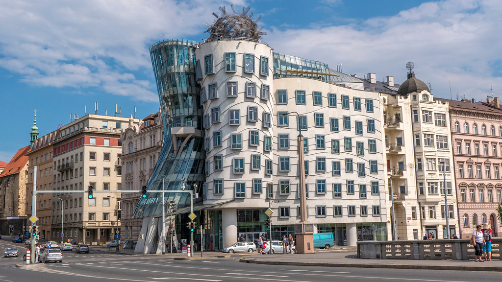 3 days in Prague: The Dancing House - Fred and Ginger
