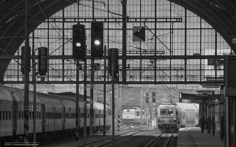 A class 470 Doubledecked EMU arrives in Praha Hlavní Nádraží, Prague's main train station.