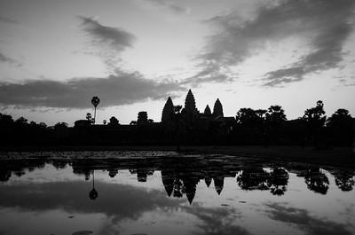 Chrám Angkor Wat při východu slunce