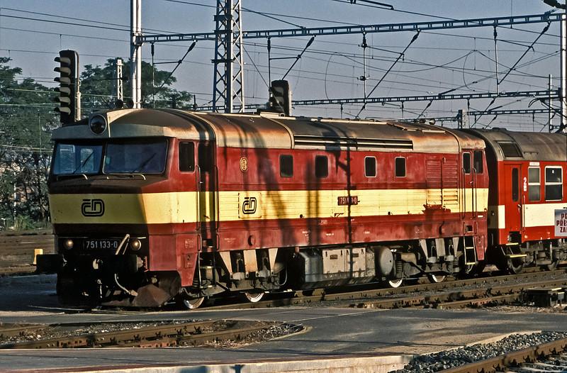 CD 751-133 brings a passenger service into Praha Hlavni on 22 September 1991
