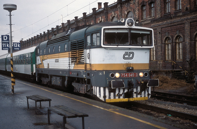 CD 754-054 arrives at Brno Hlavni Nadrazi on 16 November 2006