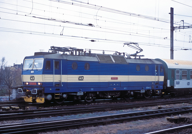 A recent conversion to 140km/h running capabilities, CD 362-172 is at Brno Hlavni Nadrazi on 6 November 2006