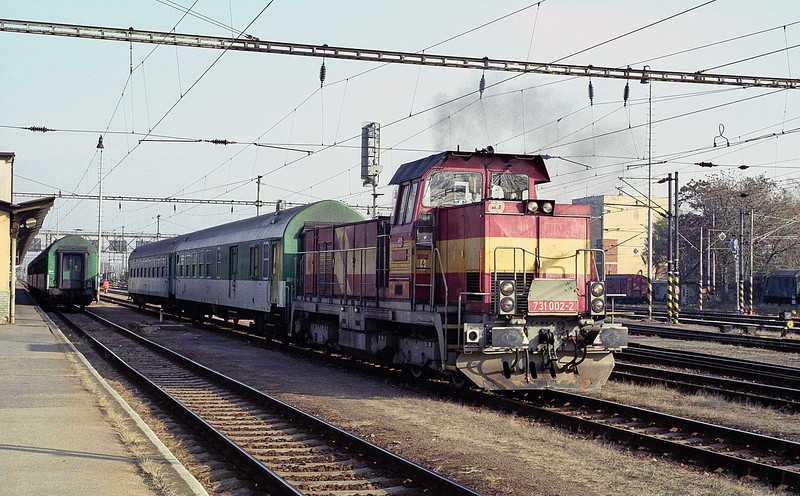CD 731-002 shuffles the pack at Breclav on 7 November 2006