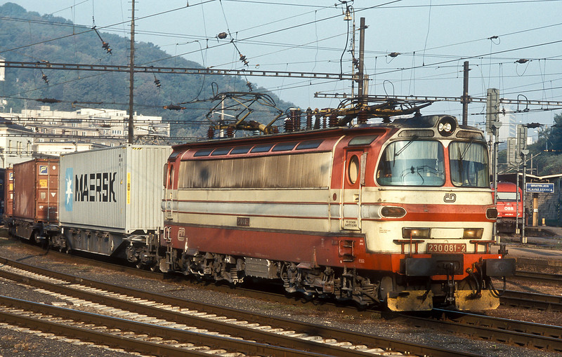 230-081 runs east through Bratislava HS on 11 October 2007