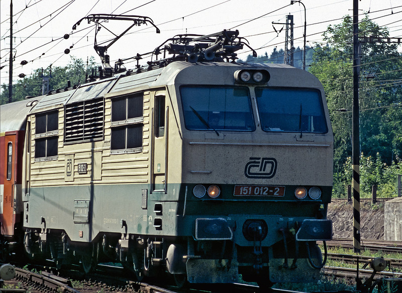 CD 151.012 arrives at Zilina with the late-running Ex121 from Praha on 1 July 2008
