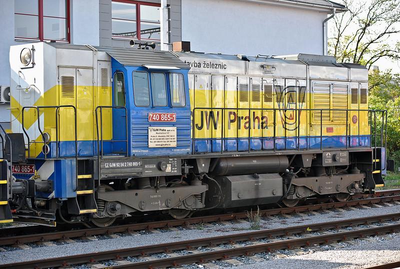 GJW Praha 740-865 stabled at Kolin on 23 October 2010