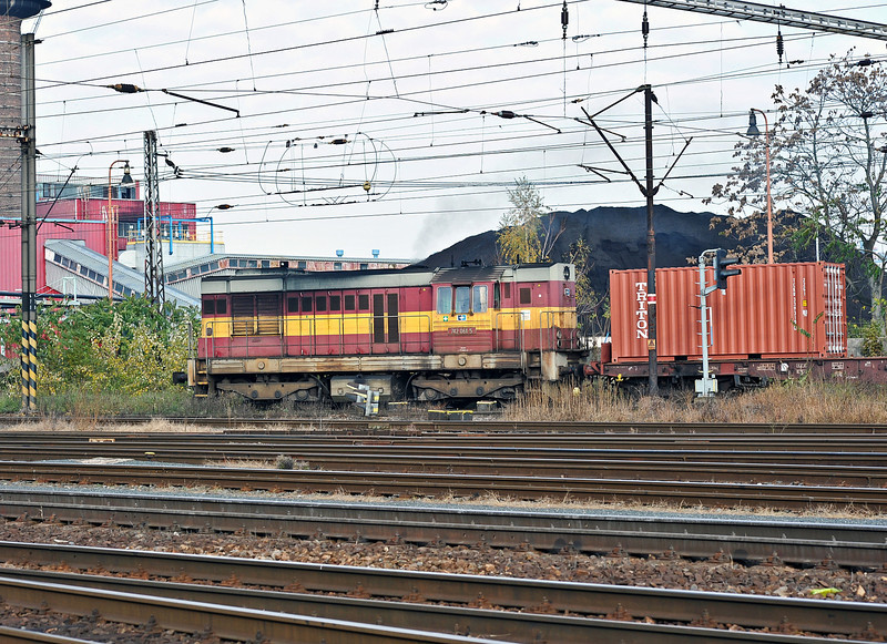 CD Cargo 742-061 leaves the yard at Nymburk with a northbound service on 23 October 2010