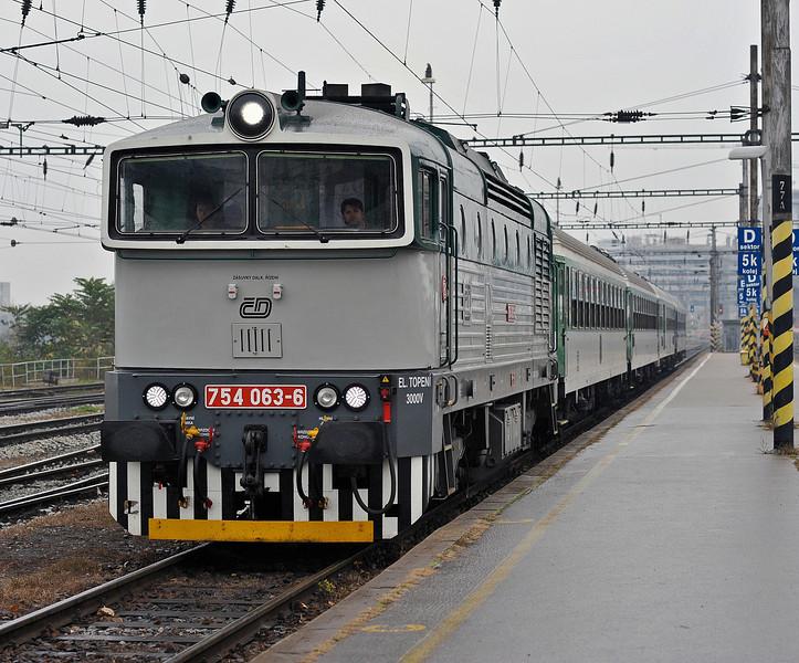 CD 754-063 arrives at Brno on 24 October 2010