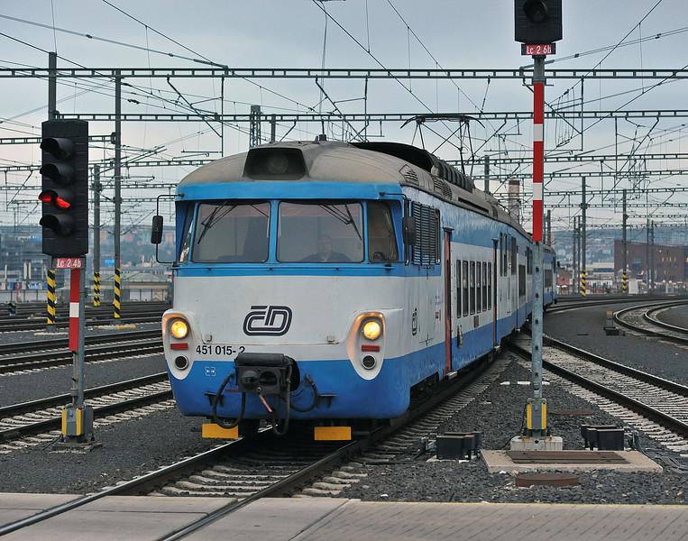CD 451-015 Praha H N 26 October 2010