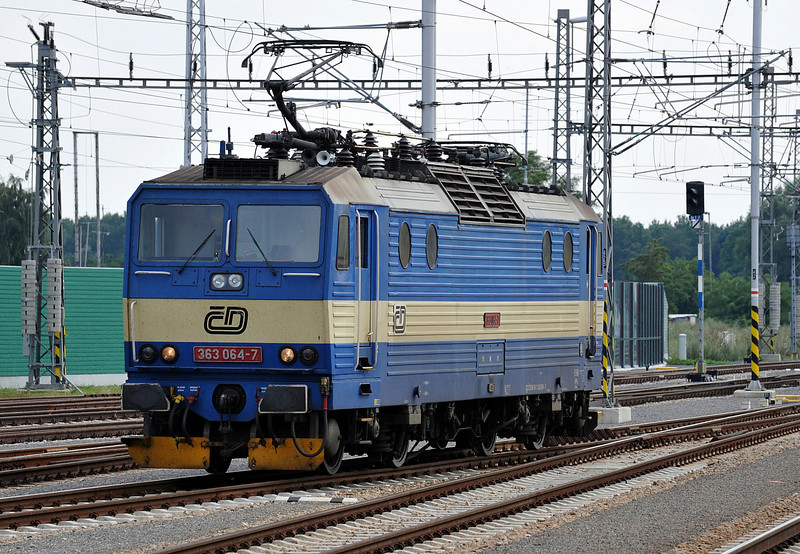 CD 363.064 runs round after arrival from Prerov with Os4216