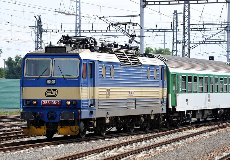 CD 363-108 arrives with Os4240 from Kuty