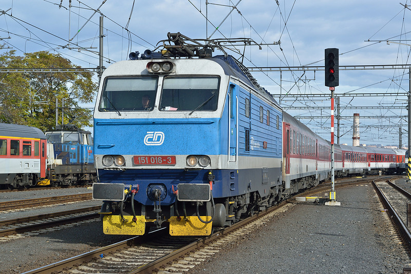 CD 151-016 Praha Hlavni Nadrazi 21 October 2013