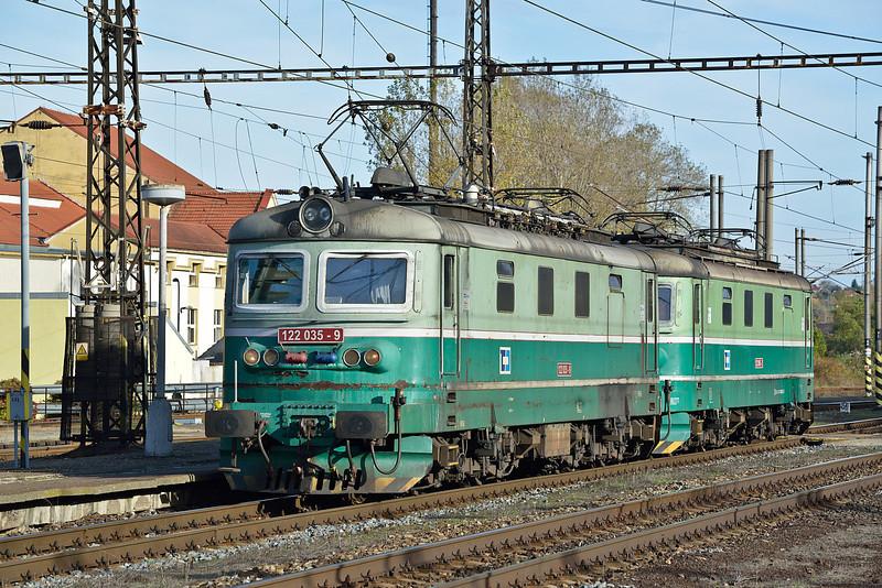 CD 122-035 and 122-005 Kralupy nad Vltavou 21 October 2013