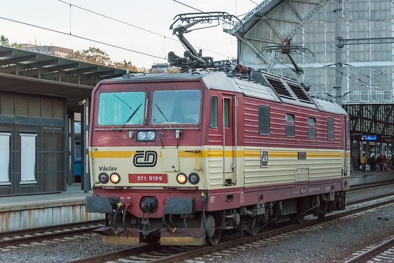 CD 371-015 Praha H N 19 October 2013