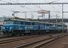 PKP Cargo ET41-129 hauls dead ET41-086 through Ostrava-Svinov 18 October 2015
