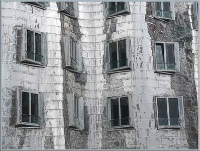 Gehry Häuser im Medienhafen - Fertigstellung 1998/99 - Düsseldorf 2006