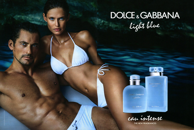 DOLCE & GABBANA Light Blue - Light Blue pour Homme Eau Intense 2017 Spain spread (hangbag size format) 'The new fragrances'