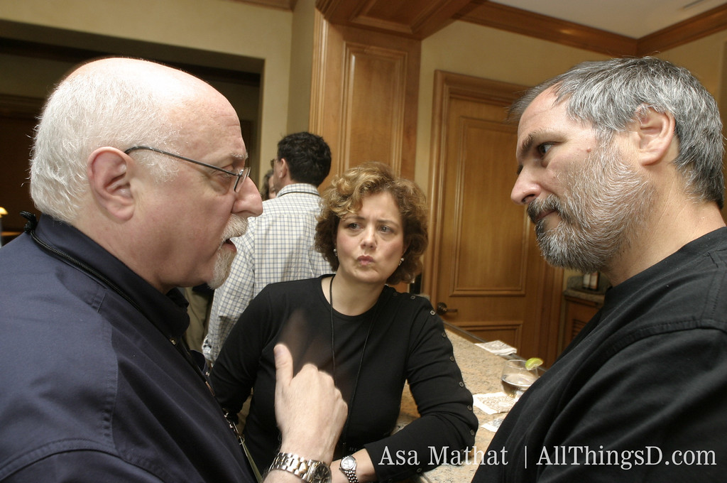 Walt Mossberg, Hilary Rosen and Steve Jobs at the opening reception of D1 in 2003.