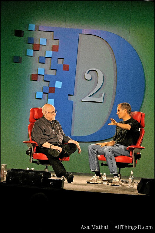 Walt Mossberg and Steve Jobs onstage at D2 in 2004.