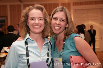 Factiva's Clare Hart and WSJ's Katherine Boehret.