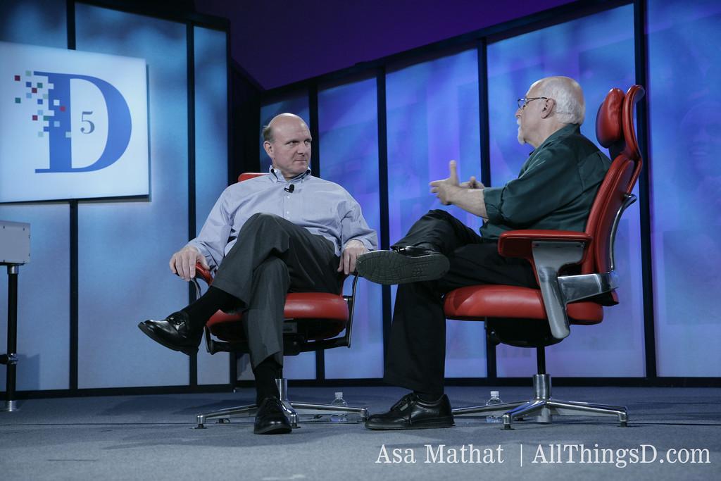 Walt Mossberg interviews Microsoft CEO Steve Ballmer at D5 in 2007.