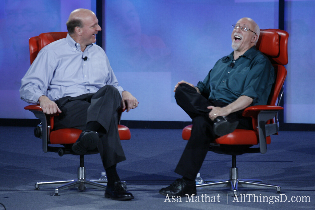 Walt Mossberg shares a laugh with Steve Ballmer at D5.