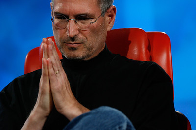 An iconic pose for Steve Jobs, D5 conference, 2007.