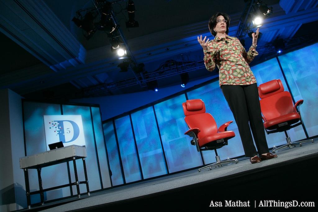 Kara Swisher introduces Cisco CEO John Chambers