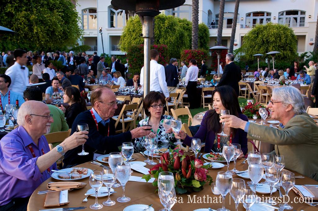 Dinner with Walt Mossberg, Rupert Murdoch, Kara Swisher, Wendi Deng Murdoch and Les Hinton.
