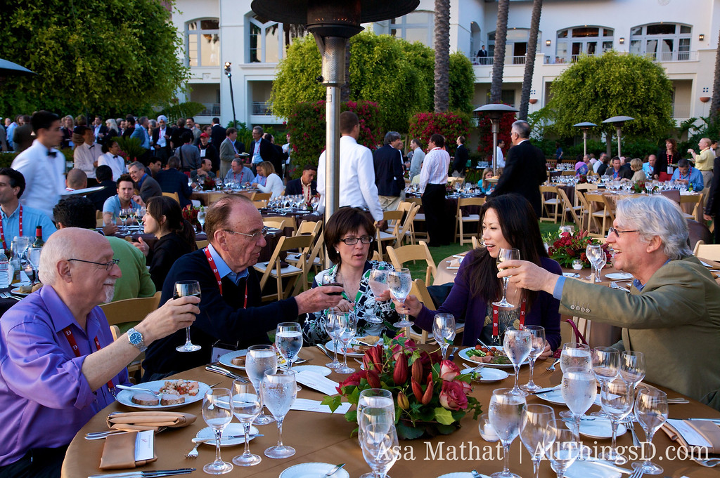 Dinner with Walt Mossberg, Rupert Murdoch, Kara Swisher, Wendi Deng Murdoch and Les Hinton.