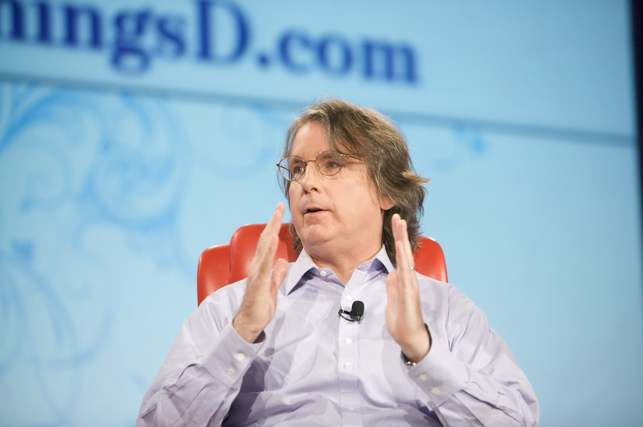 Roger McNamee talks about the DNA of Palm.