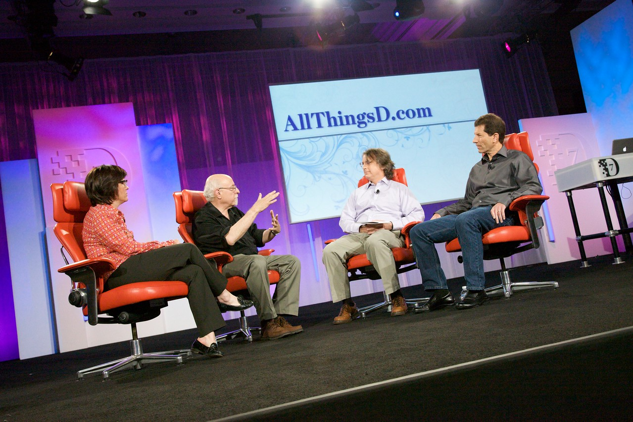 Kara and Walt interview Roger McNamee and Jon Rubinstein from Palm at D7.