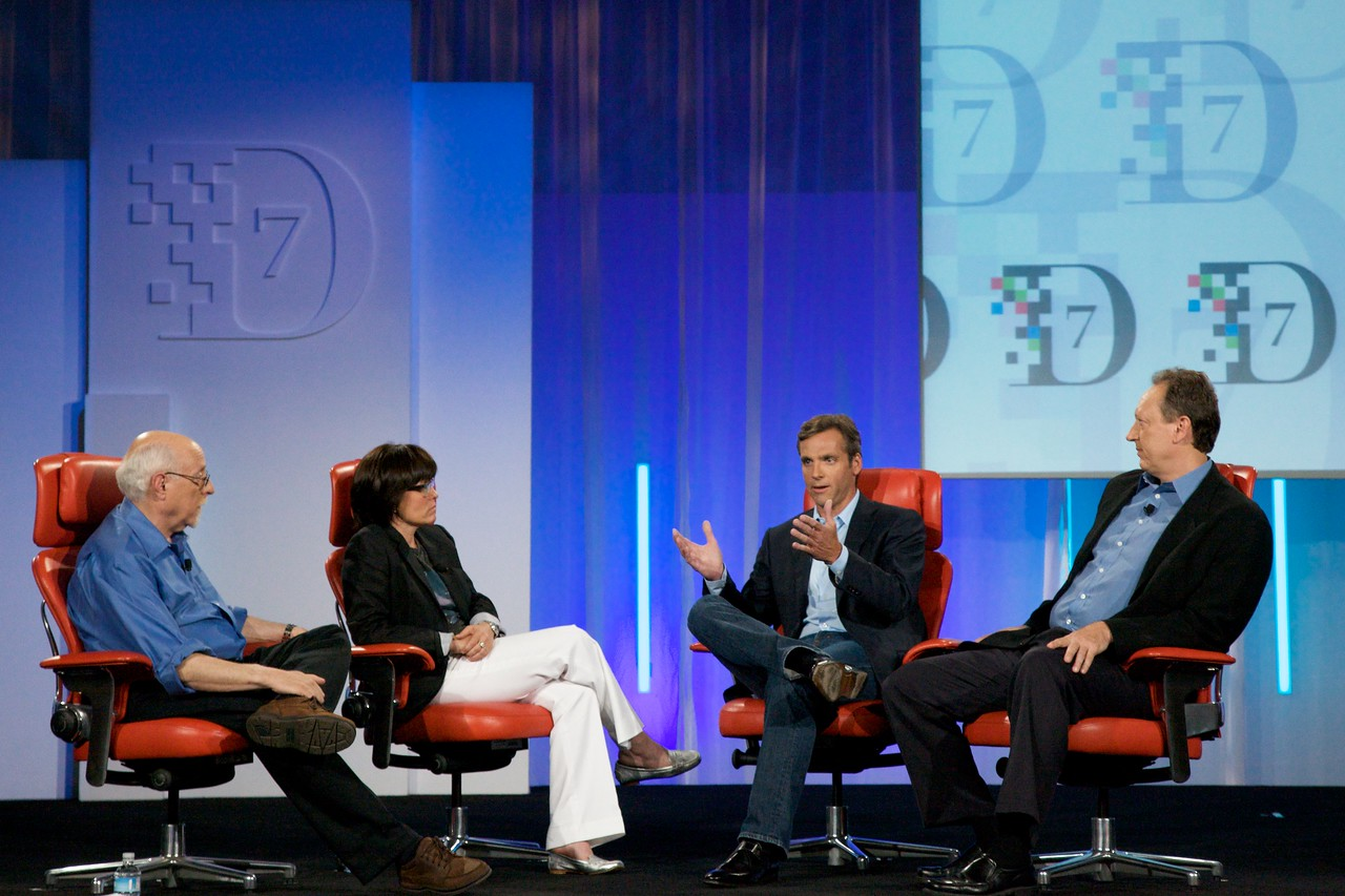 Walt Mossberg and Kara Swisher interview MySpace CEO Owen Van Natta and News Corp. Chief Digital Officer Jon Miller.