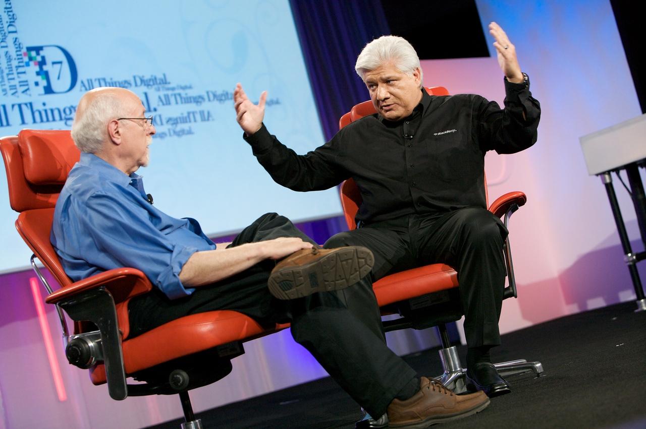 Walt Mossberg interviews RIM co-CEO Mike Lazaridis onstage at D7.